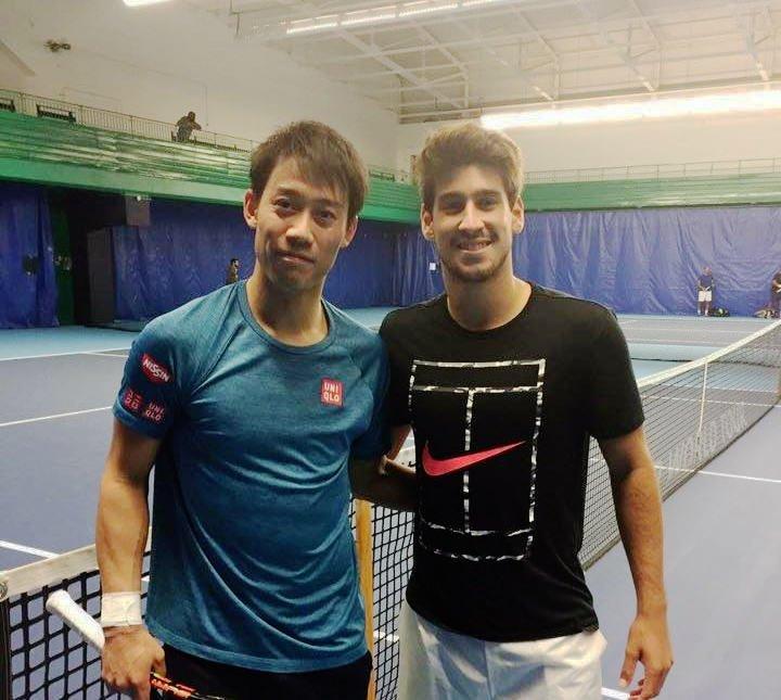 Orlando Luz e Kei Nishikori, em treino para o ATP Finals 2016